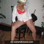 Jolie Femme blonde gourmande