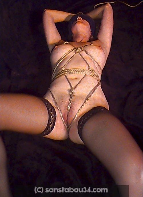 Jolie soumise mature présentée par son maître Montpellier